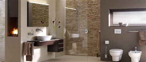 Moderne Badezimmer Mit Fliesen Und Naturstein