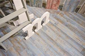 carrelage imitation parquet bleu rectifie vieilli mat yogo With parquet bleu