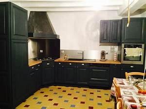comment moderniser une cuisine rustique eleonore deco With cuisine repeinte en noir