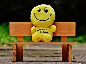 be-happy-smiley-teddy-bear-on-bench   HD Wallpapers Rocks  Happy