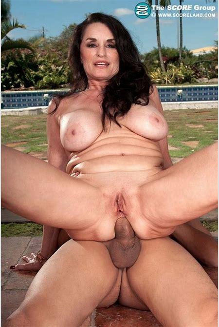 Hot mature Rita Daniels anal fucked outdoors - Pichunter