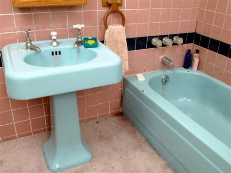 Spray Paint Bathtub
