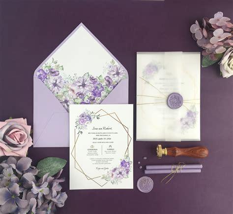 Kāzu ielūgums Gaiši violetie ziedu motīvi