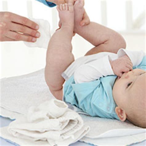 siege auto 3 ans et plus nettoyer bébé avec des lingettes ou du coton