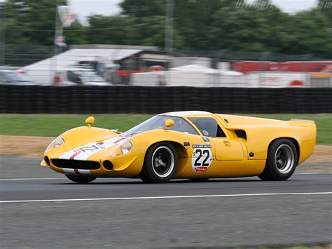 Lola T70 Mk3 Coupe Chevrolet High Resolution Image (7 of 12)