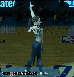 okc thunders contortionist halftime show