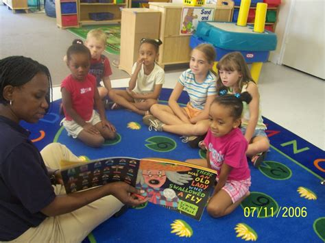 preschool daycare child care learning center in middle 467 | group%20circle%20time