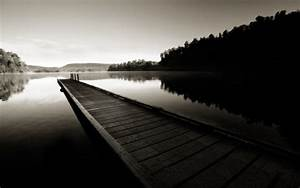 50 HD and QHD beautiful black and white wallpapers