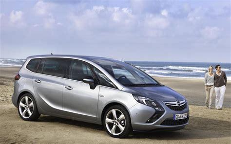 Opel Zafira Review by Opel Zafira Tourer Photos And Specs Photo Opel Zafira