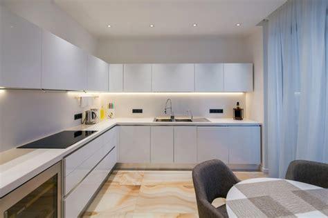 paslaptys kaip sukurti tobula apsvietima virtuveje