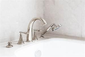 Baignoire à Poser : robinet de baignoire ooreka ~ Melissatoandfro.com Idées de Décoration