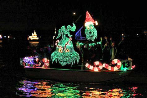 Venice Boat Parade by Venice Florida Boat Parade Dazzles Visitors
