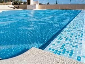 Bache Protection Piscine : b che de piscine ~ Edinachiropracticcenter.com Idées de Décoration