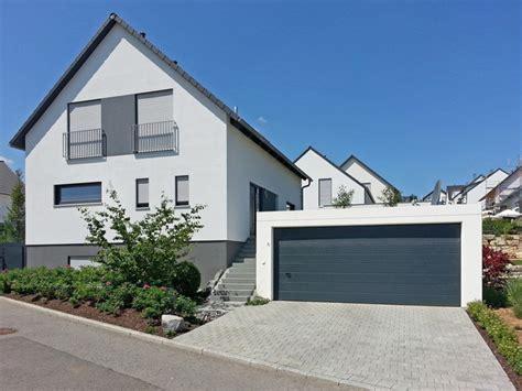 Moderne Häuser Farben by Gro 223 Raumgarage Mit Sektionaltor In Farbe Anthrazitgrau