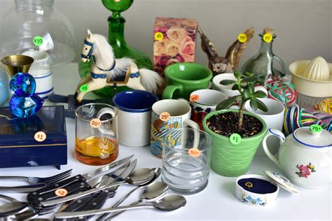 Market your merchandise: A yard sale expert's tips for ...