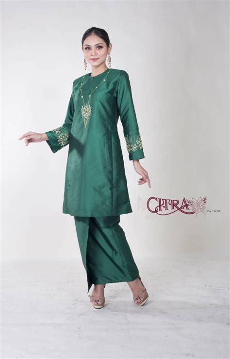 Kain batik madura motif unik dominan warna hijau indah cantik di hiasi juga motif tumbuhan. Batik Hijau De - Peringati Hari Batik dengan Kreasi Batik Kontemporer ... - Dari pengrajin batik ...