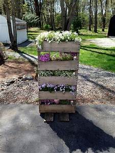 DIY Rustic Pallet Vertical Planter 101 Pallets