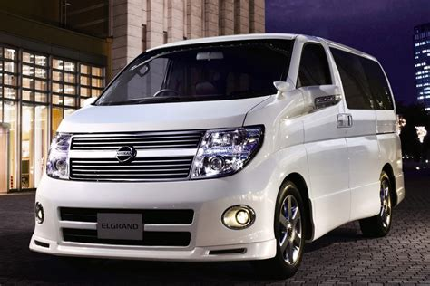 Nissan Elgrand Photo by Used Nissan Elgrand Review 1997 2014 Carsguide
