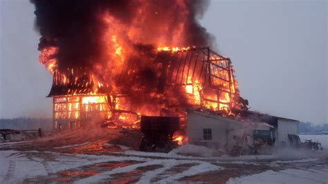 Barn Fires by Destroys Wayne County Barn Cattle And Equipment