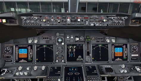 The gallery for --> Boeing 767 Cockpit
