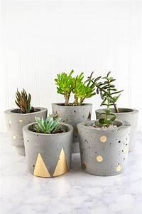 Blumentöpfe Aus Beton : make concrete and gold diy plant pots beton gie en ~ Michelbontemps.com Haus und Dekorationen