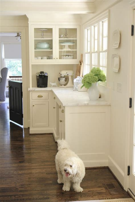 kitchen colors pictures best 25 classic white kitchen ideas on wood 3394