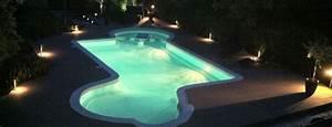 Eclairage Piscine Bois : eclairage piscine par projecteurs piscine du nord ~ Edinachiropracticcenter.com Idées de Décoration