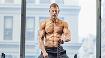 'Umbrella Academy's' Tom Hopper Talks Workouts, Diet and ...