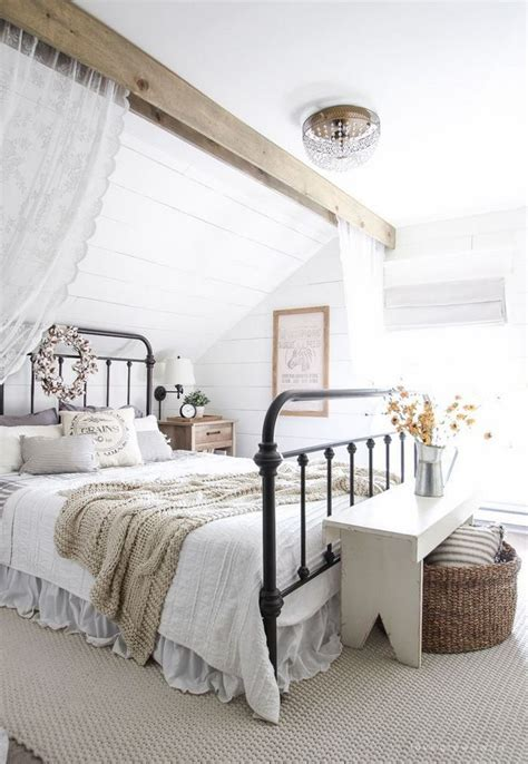 Awesome Attic Loft Bedroom by Best 25 Attic Master Bedroom Ideas On Attic