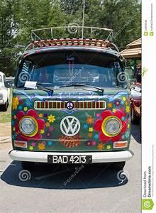 Combi Vw Hippie : hippie volkswagen kombi editorial stock image image 53984944 ~ Medecine-chirurgie-esthetiques.com Avis de Voitures