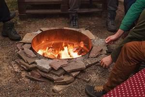 Feuer Im Garten Erlaubt : feuerstelle im garten erlaubt diese regelungen gelten ~ Whattoseeinmadrid.com Haus und Dekorationen