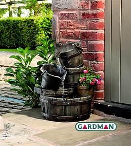 Maulwurfbekämpfung Im Garten : gardman gartenbrunnen holzfass mit led beleuchtung 129 99 ~ Michelbontemps.com Haus und Dekorationen