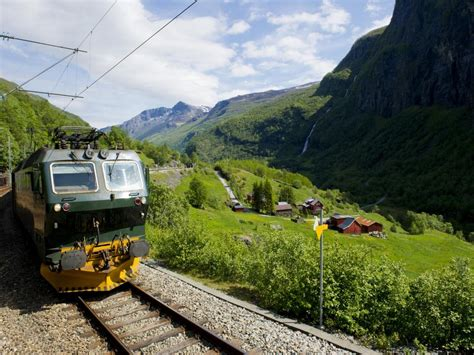 13 of the Most Scenic Day Trips by Train Around the World ...