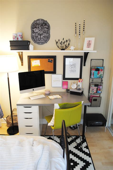 office space in bedroom cute idea for an office space in my apartment lauren elizabeth apartment style bedroom