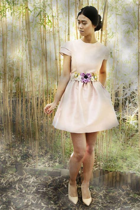 vestido corto rosa cuarzo de invitada de boda