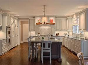 Elmhurst lwreedy for Best brand of paint for kitchen cabinets with naked wall art