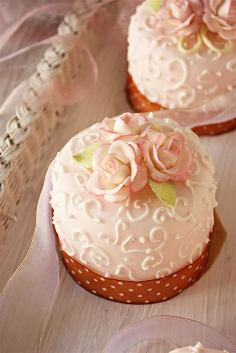 1000 Images About Couture Cupcakes And Mini Cakes On