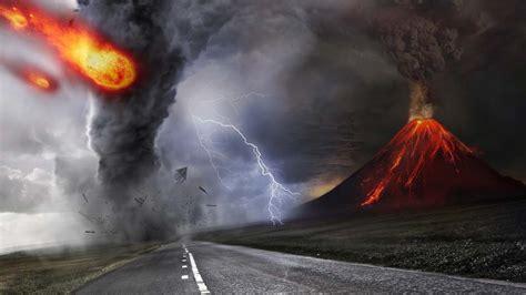 Terremotos, Erupciones Volcánicas, Inundaciones, Bolas De