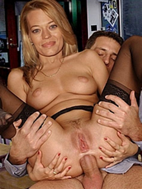 Showing Porn Images For Jeri Ryan Playboy Porn