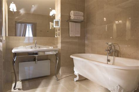 hotel romantique avec dans la chambre chambre luxe the ritzcarlton toronto chambre de luxe 2 lits une chambre luxe au