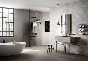 35 salles de bains design elle decoration for Salle de bain design avec rosace décorative
