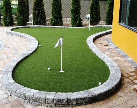 Cost Of Putting Green In My Backyard by 25 Best Ideas About Backyard Putting Green On