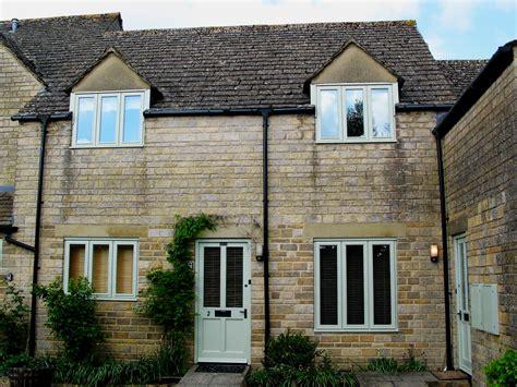 cottage rentals uk tillows cottage bibury self catering rental