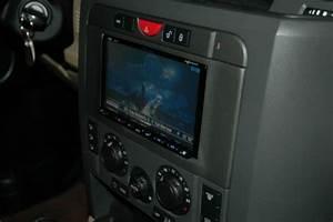 Service Manual  2007 Land Rover Lr3 Radio Removal