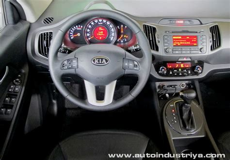kia sportage  dlx awd car reviews