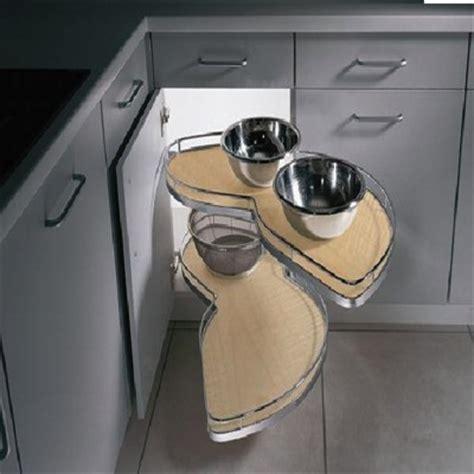 quincaillerie armoire de cuisine un armoire de coin ou caisson de coin d 39 armoire c 39 est la