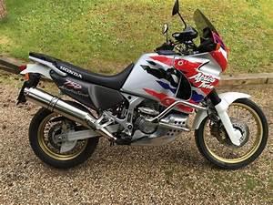 Xrv 750 Africa Twin Aufkleber : bike of the day honda xrv750 africa twin ~ Kayakingforconservation.com Haus und Dekorationen