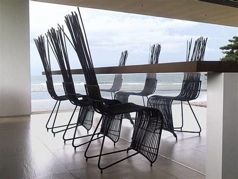 chaise dossier haut design table et chaise de jardin design en matériaux différents