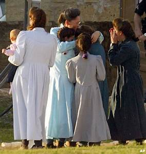 Hundreds of women and children in 19th Century clothing ...