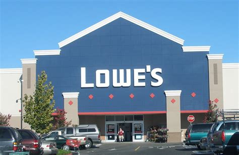 Lowe's Overtime Pay Lawsuit